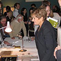 Labour MP Margaret Hodge discusses numismatics on November 22, 2007. (CC BY Portable Antiquities Scheme, Flickr)