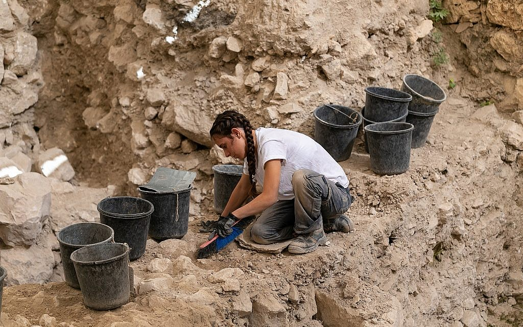 The archeological excavations in the Givati Parking Lot in the City of David. (Eliyahu Yannai, City of David)