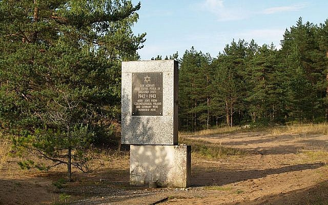 The Holocaust memorial in Kalevi-Liiva, Estonia. (CC BY-SA Wikimedia commons)