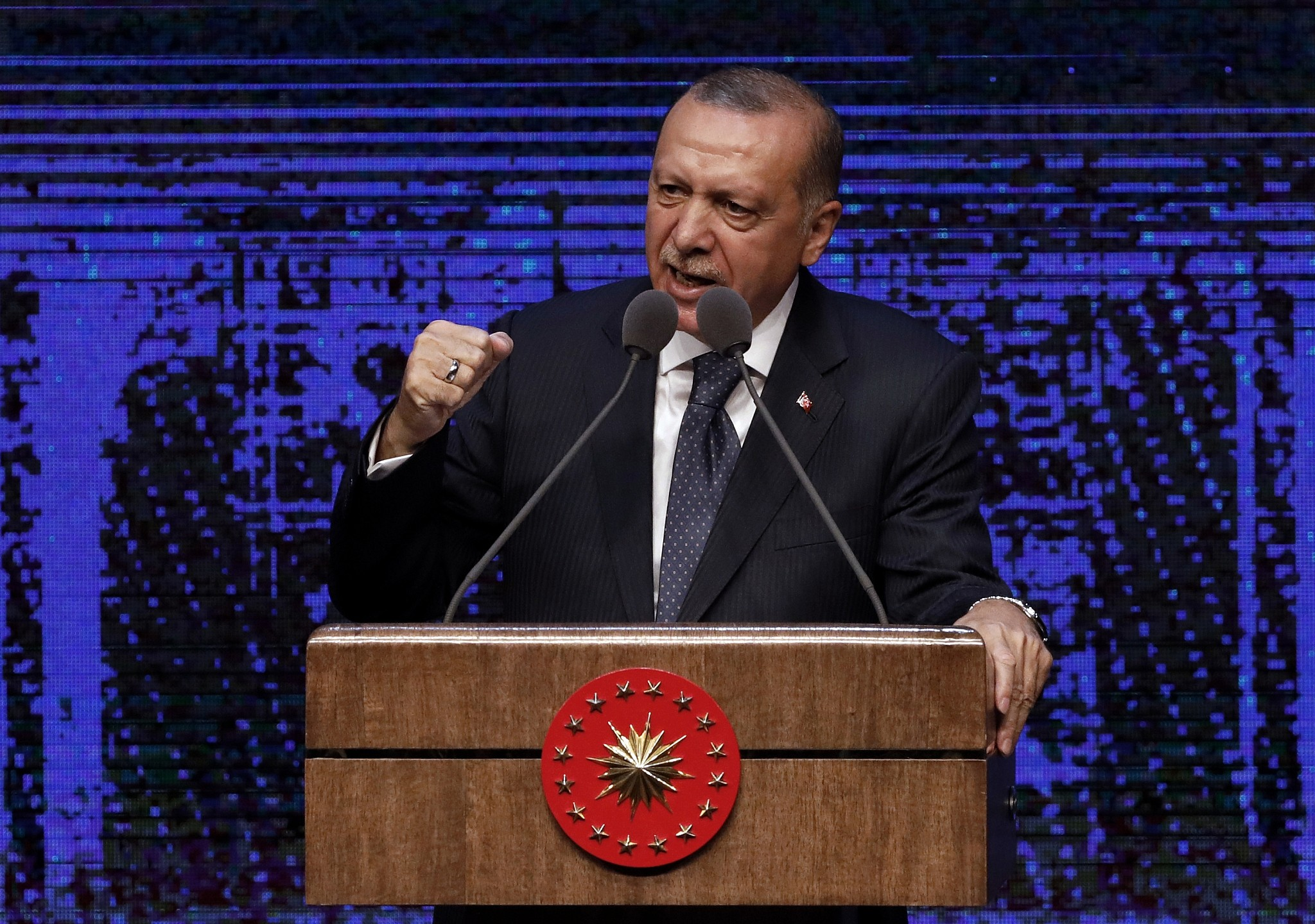 Turkish President Erdogan announced the signing of an agreement with Russia on the supply of air defense systems S-400 22