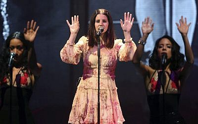 Lana Del Rey: Israel gig 'not a political statement'