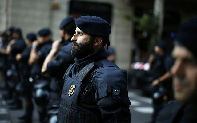 Spanish police officers in Barcelona, Spain, July 23, 2018. (Manu Fernandez/AP)