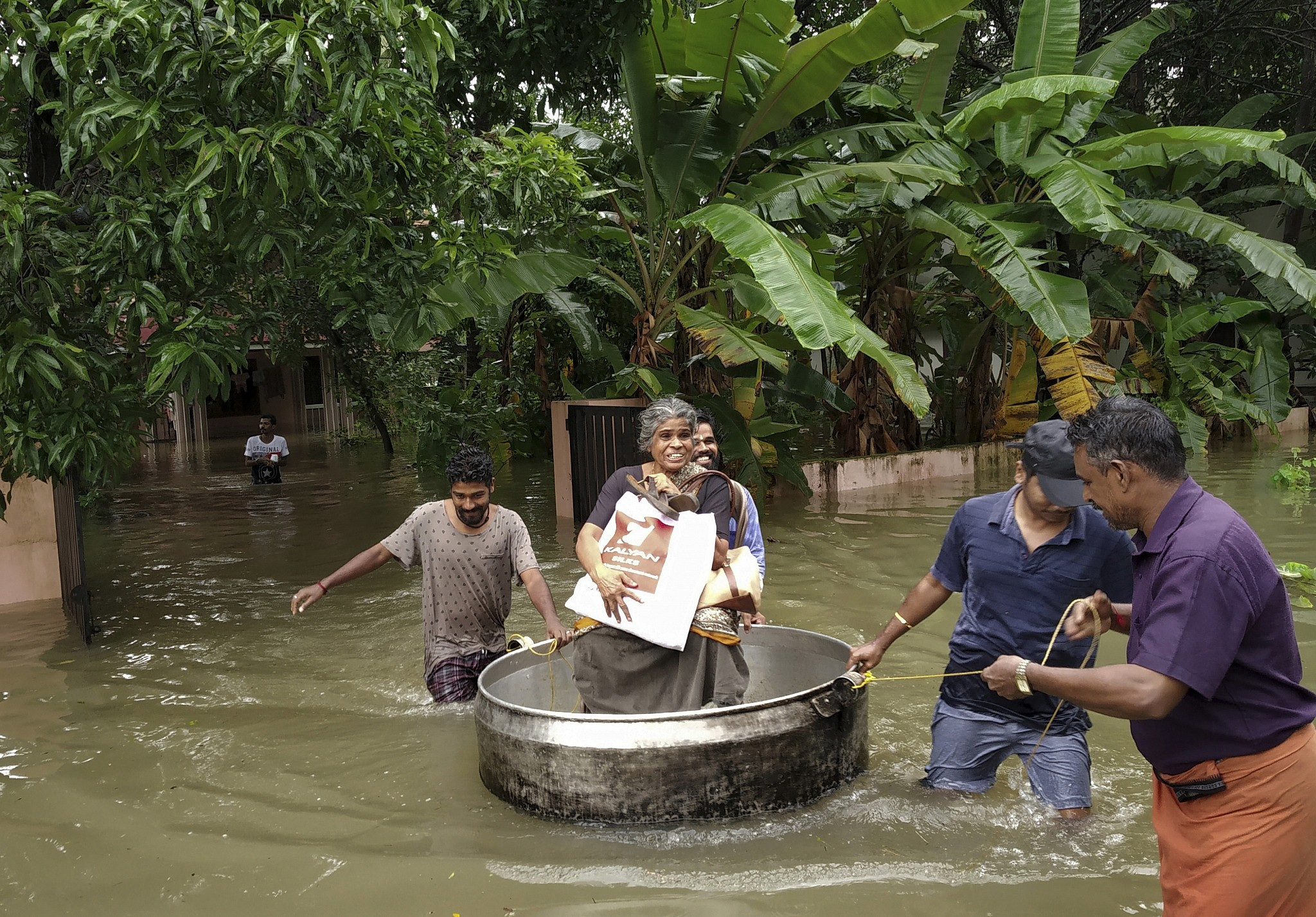 Flood death toll in India's Kerala jumps to over 320   The Times of Israel