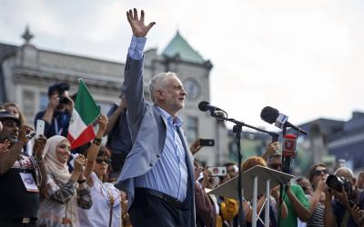 Jeremy Corbyn addresses a crowd in London's Trafalgar Square, July 13, 2018. (Niklas Hallen/AFP/Getty Images/via JTA)