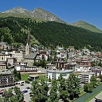 The Swiss town of Davos, which is a popular tourist destination for ultra-Orthodox Jews. (CC BY-SA MadGeographer, Wikimedia Commons)
