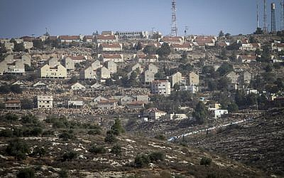 The Israeli settlement of Elon Moreh as seen from the northern West Bank city of Nablus on December 7, 2016. (Nasser Ishtayeh/Flash90)