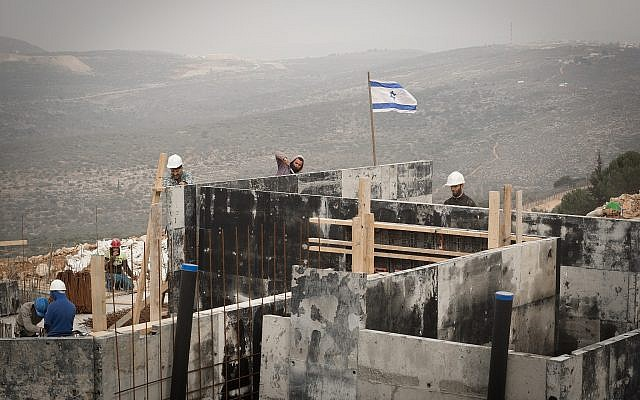 A construction site in the West Bank settlement of Ariel on January 25, 2017. (Sebi Berens/Flash90)