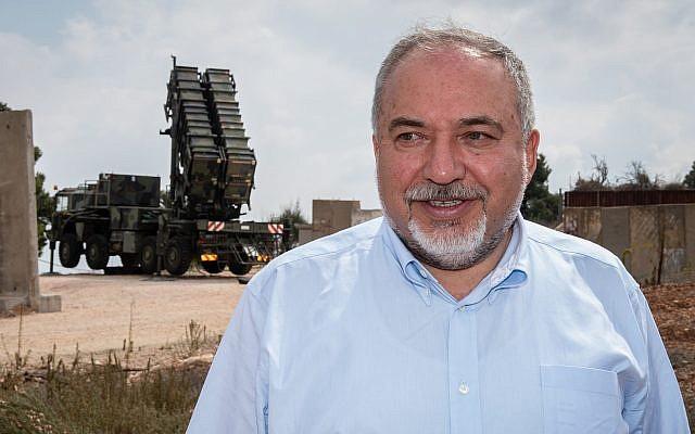 Defense Minister Avigdor Liberman visits a Patriot missile intercepting battery stationed in northern Israel, on August 2, 2018. (Basel Awidat/ Flash90)