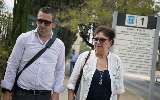 Ilana Cohen (R), chairwoman of the National Association of Nurses, arrives for a meeting at the Finance Ministry in Jerusalem on August 7, 2018 (Hadas Parush/Flash90)