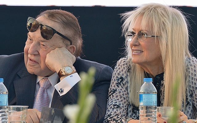 American businessman and investor Sheldon Adelson with his wife Miriam at the ceremony for a new Faculty of Medicine at Ariel University in the West Bank, on August 19, 2018. (Ben Dori/Flash90)