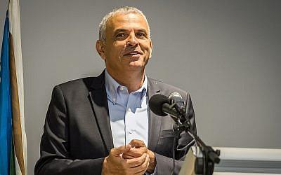 Finance Moshe Kahlon speaks at a ceremony, August 20, 2018. (Meir Vaknin/Flash90)