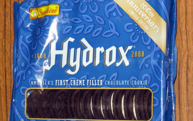 On the 100th anniversary of Hydrox in 2008, Kellogg's briefly resumed distribution of the original sandwich cookie under the Sunshine label. (Wikimedia Commons)