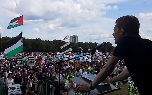 Seumas Milne speaks to an anti-Israel rally during 2014's Operation Protective Edge. (YouTube)