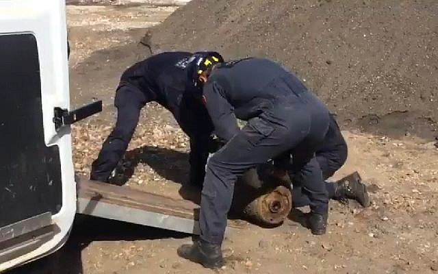 French sappers in Rouen city center defuse World War II bomb on August 12, 2018. (Screen capture: Twitter)