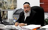 Emmanuel mayor Ezra Gershi speaks in his office in December 11, 2011. (Screen capture/YouTube)