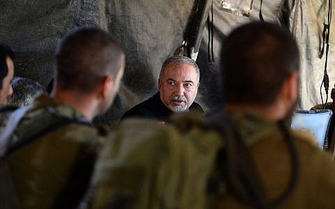 Defense Minister Avigdor Liberman touring an IDF military drill in northern Israel, August 21, 2018. (Ariel Hermony/Ministry of Defense)