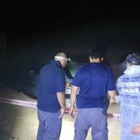 Police at the scene of a deadly shooting in a Bedouin town near Beersheba on August 12, 2018. (Police spokesperson)