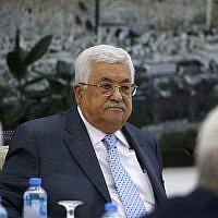 Palestinian Authority President Mahmoud Abbas chairs a meeting of the Palestine Liberation Organization (PLO) Executive Committee at PA headquarters in the West Bank city of Ramallah Sept 15, 2018. (AFP / ABBAS MOMANI)