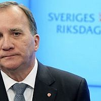 Swedish Prime Minister Stefan Lofven speaks to the press in Stockholm after he was ousted in a vote of no-confidence by Sweden's parliament on September 25, 2018. (AFP Photo/TT News Agency/Anders Wiklund)