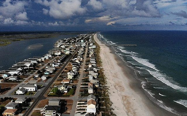A mandatory evacuation is in effect in preparation of the approaching Hurricane Florence, on September 11, 2018 in Topsail Beach, North Carolina (Mark Wilson/Getty Images/AFP)