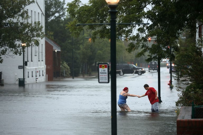 Hurricane Florence brings flooding and blackouts