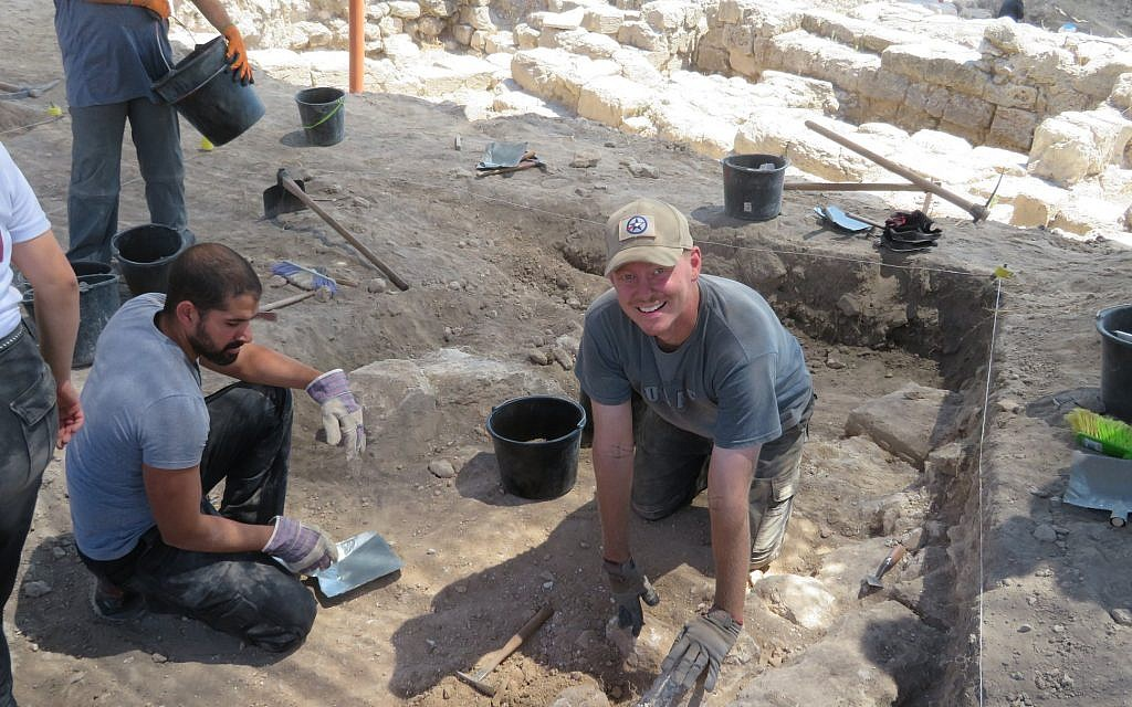 American Veterans Archaeological Recovery co-founder Stephen Humphreys (right) at the Beth She'arim Excavation, August 2018. (courtesy)
