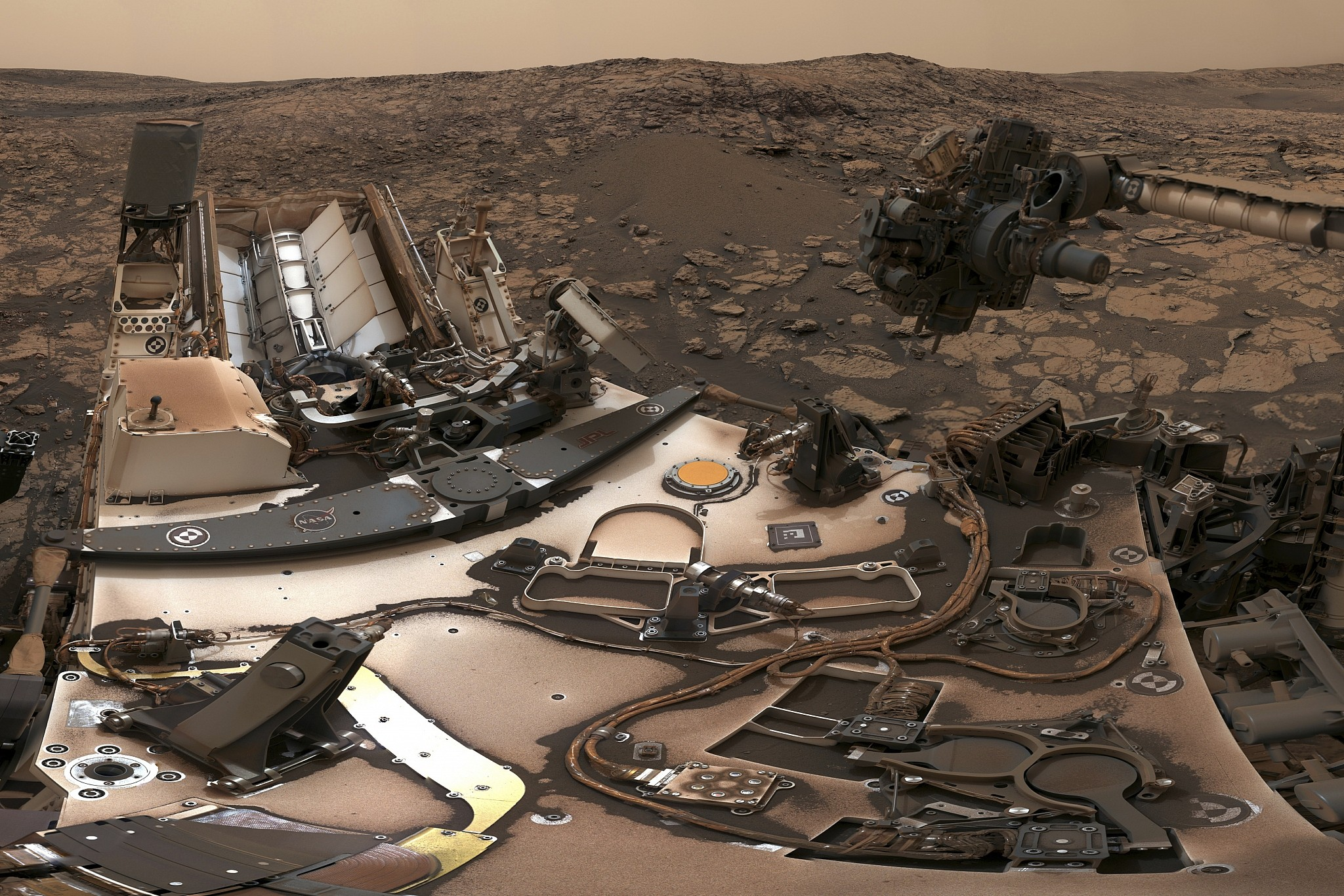 NASA's Mars rover Curiosity snaps dusty selfie | The Times of Israel