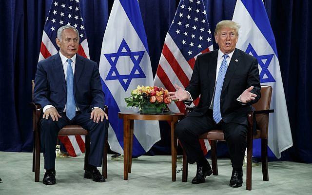 US President Donald Trump (right) and Prime Minister Benjamin Netanyahu meet at the United Nations General Assembly at UN Headquarters, on September 26, 2018. (AP Photo/Evan Vucci)