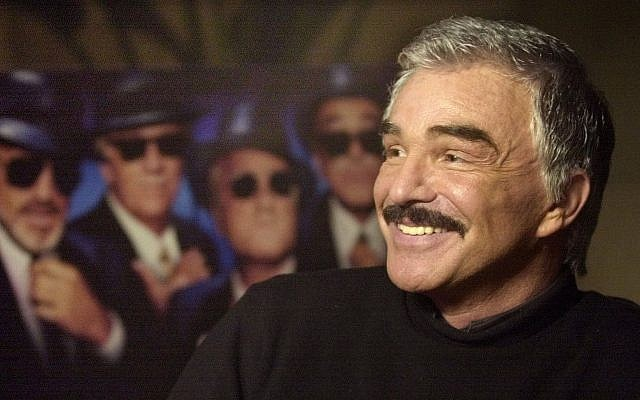 "Actor Burt Reynolds talks about his new movie ""The Crew"" and his character Joey ""The Bats"" Pistella from his hotel suite at the Loews Miami Beach Hotel, Aug. 20, 2000, in Miami Beach, Florida (AP Photo/Amy E. Conn)"