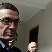 Santiago Canton of the Inter-American Commission of Human Rights (IACHR) speaks to reporters after a meeting with Guatemalan president Oscar Berger in Guatemala City on Monday, July 17, 2006. (AP Photo/Moises Castillo)
