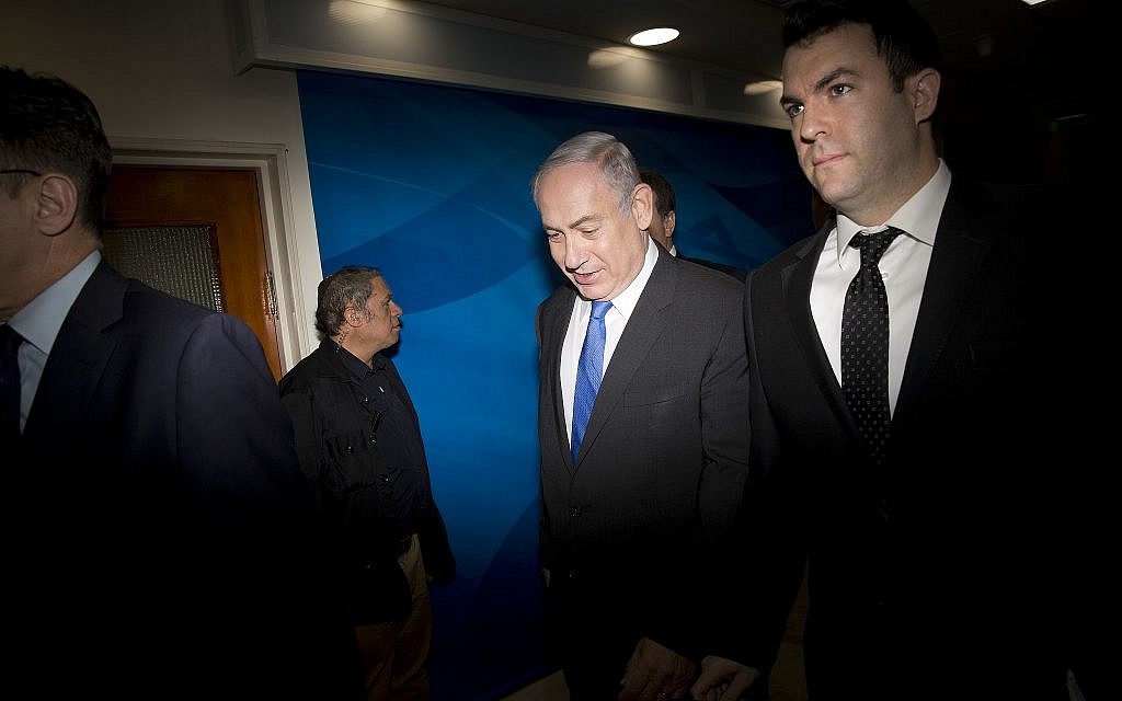 David Keyes, right, with Prime Minister Benjamin Netanyahu in Jerusalem on May 7, 2017. (AP/Oded Balilty, Pool)