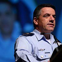 Israeli Air Force chief Maj. Gen. Amikam Norkin speaks at the Israel Aviation Conference at Airport City, May 2, 2018 (Tomer Neuberg/FLASH90)