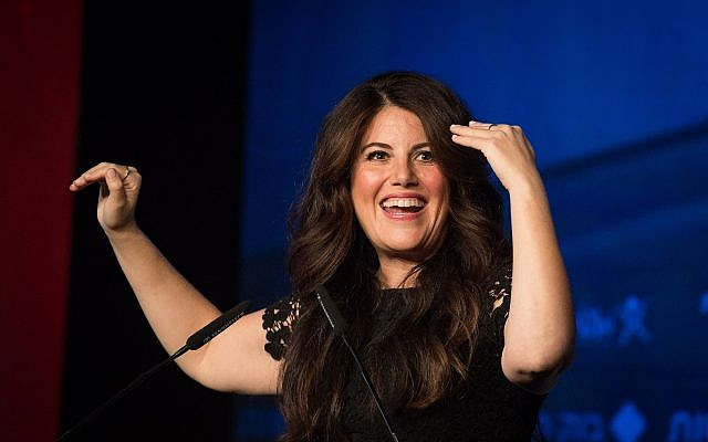 Monica Lewinsky, angered by question on Clinton, walks off stage