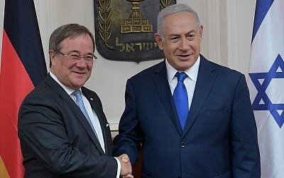 North Rhine-Westphalia leader Armin Laschet (left) is welcomed to Jerusalem by Prime Minister Benjamin Netanyahu, September 2018 (Amos Ben-Gershom/GPO)