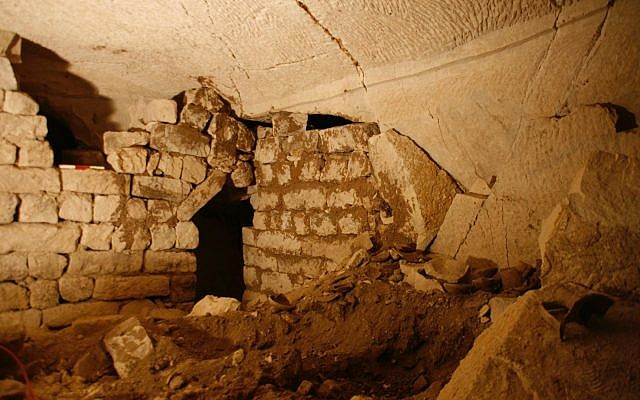 One of seven newly discovered rooms in a subterranean complex in the ancient Hellenistic-era city of Maresha, near Beit Guvrin. (Asaf Stern)
