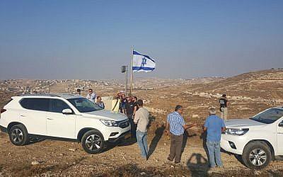 Israeli settlers arrive at the Eitam hilltop near Efrat on September 17, 2018 to establish a new neighborhood in response to the murder of Ari Fuld (Eliyahiv Kamchi)