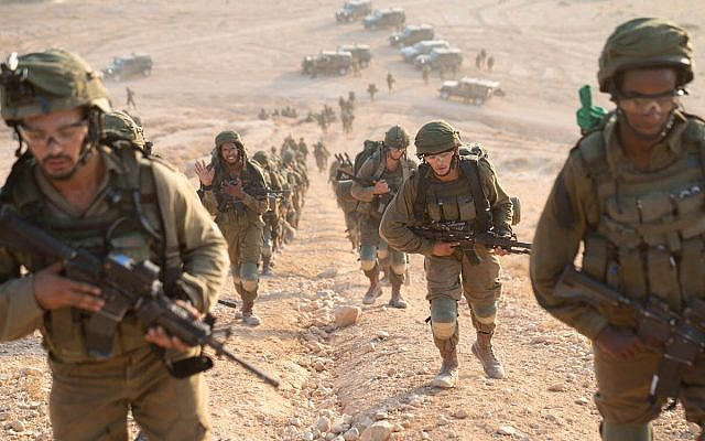 Paratroopers take part in an exercise simulating war with the Lebanon-based Hezbollah terrorist group in September 2018. (Israel Defense Forces)