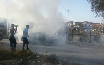 Riots during home demolitions in the Palestinian village of al-Walaja, south of Jerusalem, September 3, 2018 (Ir Amim video screenshot)