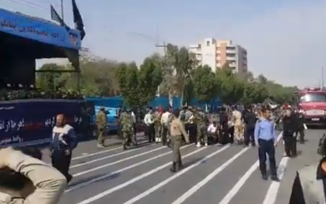 Gunmen attacked a military parade in the southwest Iranian city of Ahvaz on 22 September, 2018 (Screenshot via iribnews.ir)