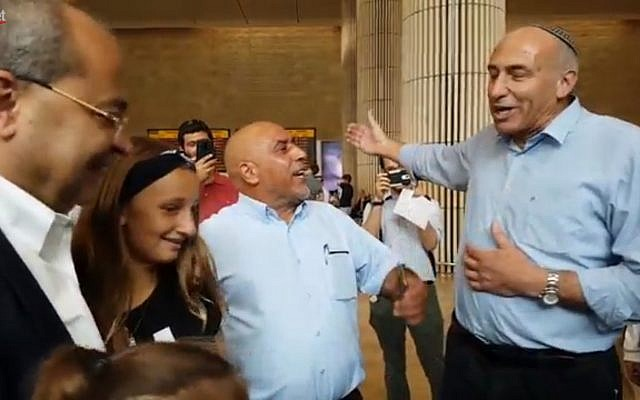 Jewish Home MK Moti Yogev (r) remonstrates with Joint (Arab) List MKs at Ben Gurion airport on September 3, 2018. (Screen capture: Ynet news)