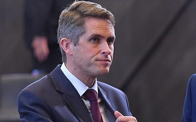 British Defense Secretary Gavin Williamson prior to attend a NATO defense ministerial meeting at NATO headquarters in Brussels on October 4, 2018.  (AFP PHOTO / Emmanuel DUNAND)