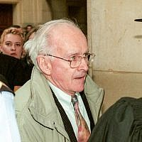 French revisionist writer Robert Faurisson arrives at Paris Courthouse to testify in the Roger Garaudy trial, February 27, 1998.(MICHEL GANGNE/AFP)