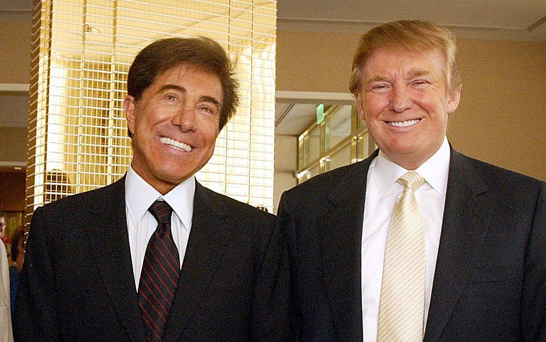 Las Vegas developer Steve Wynn poses with Donald Trump right