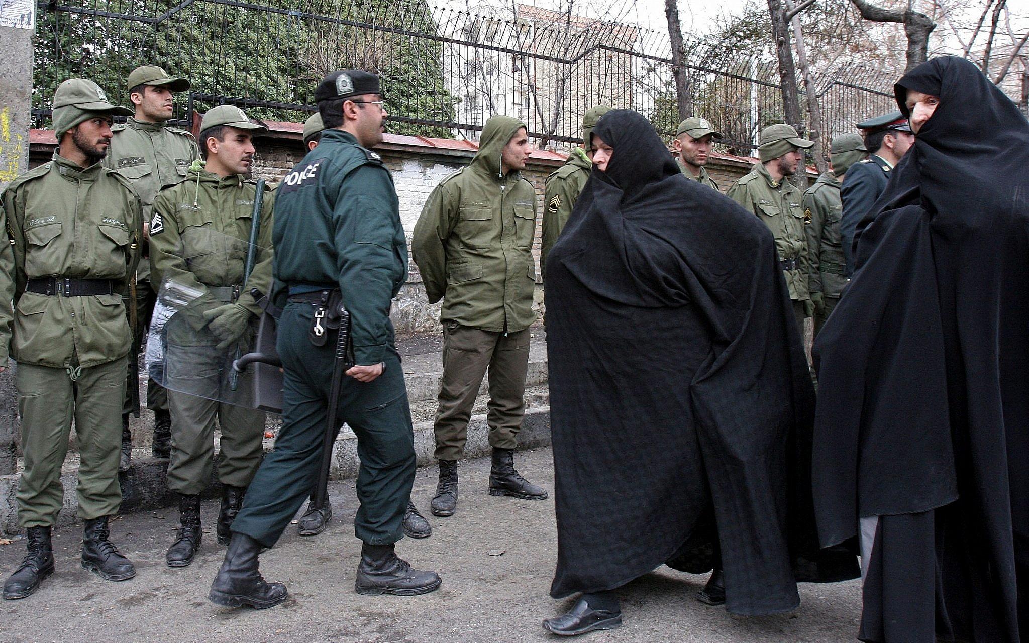 Danes accuse Iran of failed murder plot