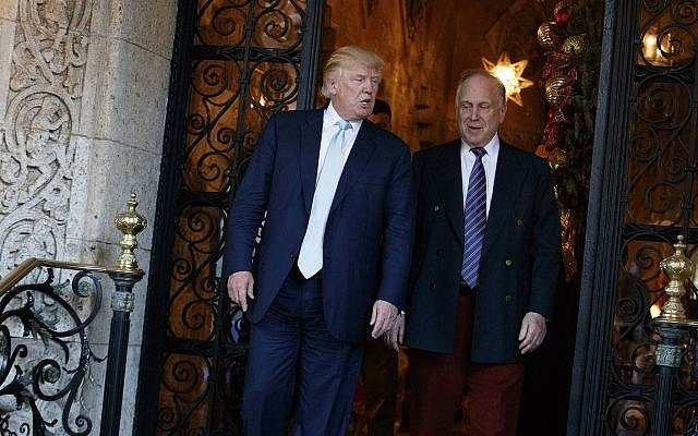 Donald Trump walks with Ronald Lauder after meeting at Mar-a_Lago on December 28, 2016, in Palm Beach, Florida, (AP Photo/Evan Vucci)