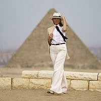 First lady Melania Trump visits the historical site of the Giza Pyramids in Giza, near Cairo, Egypt. Oct. 6, 2018 (AP Photo/Carolyn Kaster)