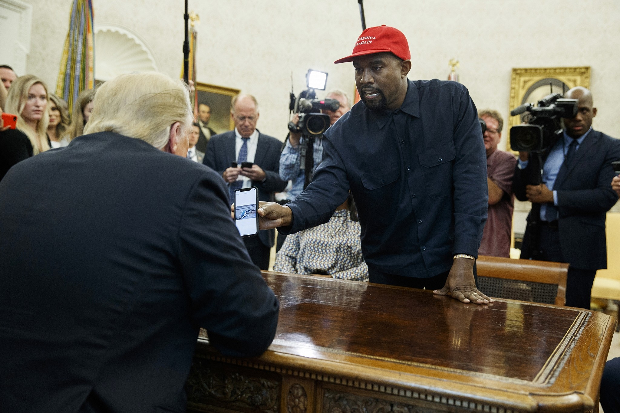 Trump Realizes Kanye Is 'Black Me'! During White House Visit