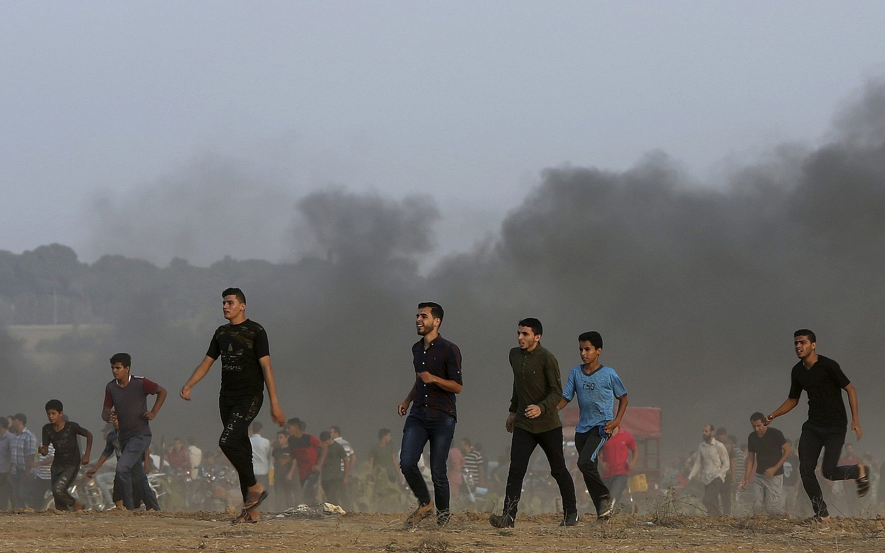 Hamas expected to curb Gaza border riots : Palestinian source