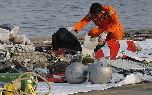 Indonesia: Passenger Plane Flight JT610 From Jakarta Crashes 13 Minutes After Take-off