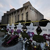 A makeshift memorial stands outside the Tree of Life Synagogue in the aftermath of a deadly shooting at the in Pittsburgh, October 29, 2018. (Matt Rourke/AP)
